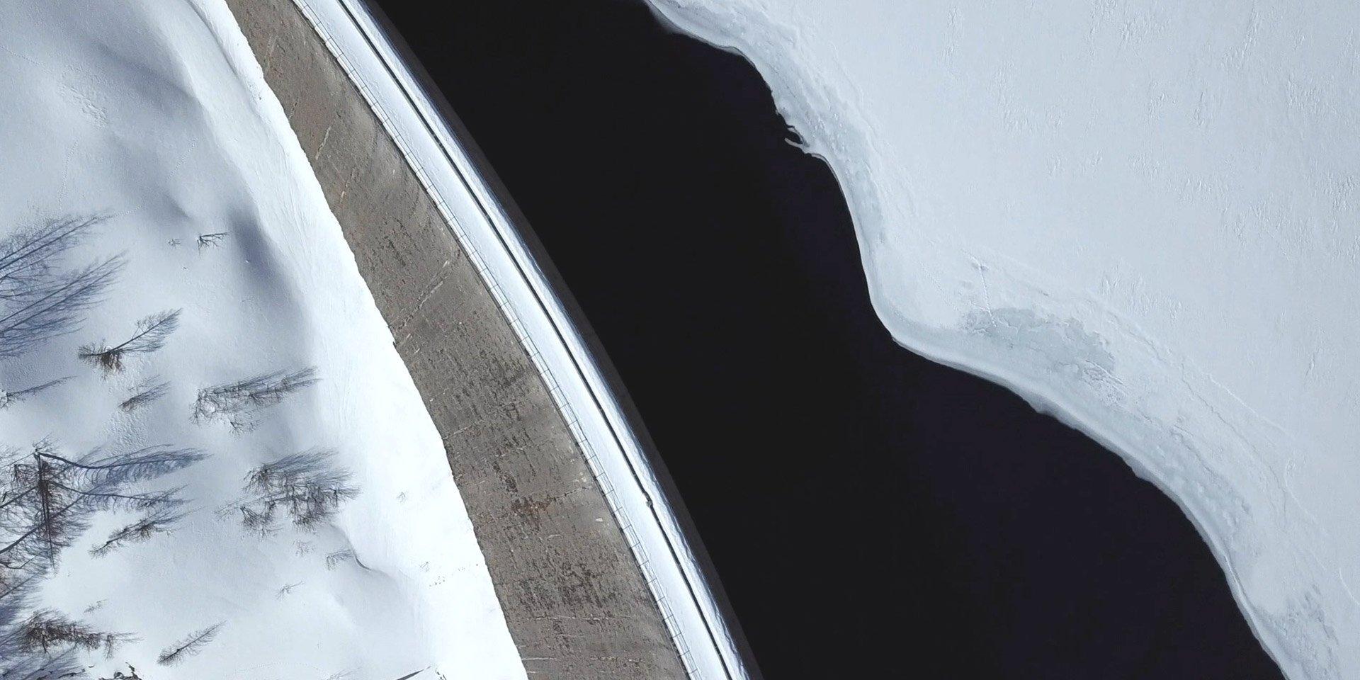 lago di rochemolles in inverno